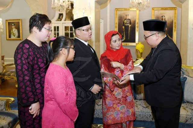 Discussion with Queen of Johor
